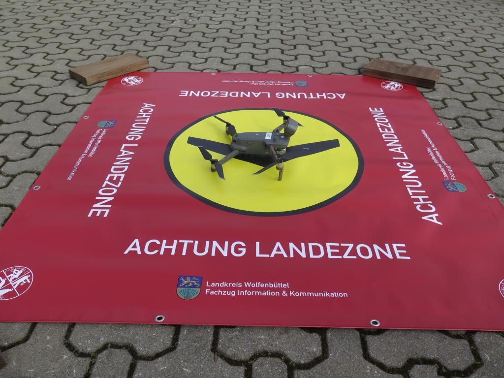 Drohne-auf-Landeplatz